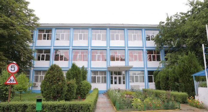 Liceul-Voltaire
